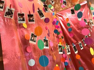 Scǎi Exhibition - Photos of Customers