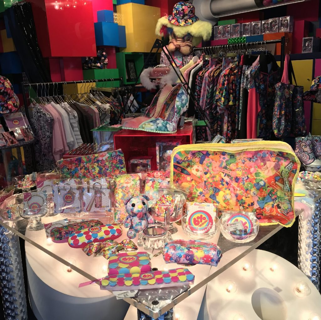 6% DOKIDOKI goods and items in multi color.